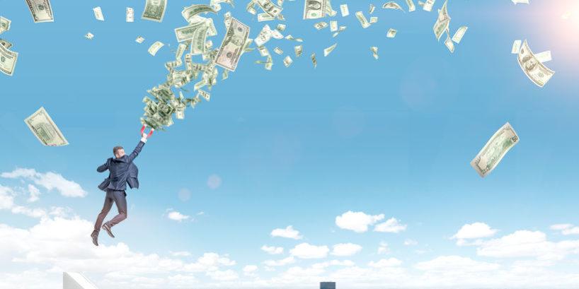 Tiền chảy vào cổ phiếu thép, chứng khoán và ngân hàng