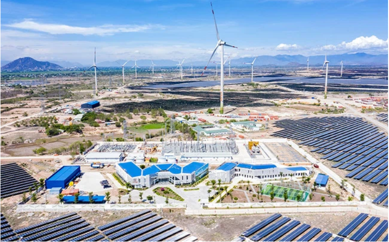 Mới huy động thêm 2.000 tỷ đồng trái phiếu và bán cổ phần tại hai dự án điện tái tạo, dòng...